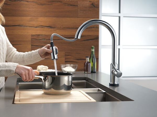 VoiceIQ™ Single-Handle Pull-Down Kitchen Faucet with Touch<sub>2</sub>O® Technology, image 30