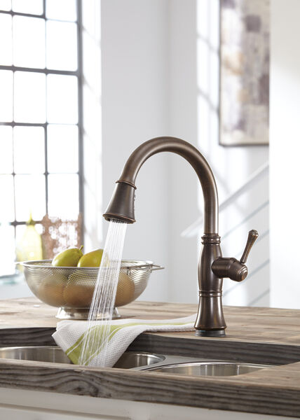Single Handle Pull-Down Kitchen Faucet with Touch<sub>2</sub>O® and ShieldSpray® Technologies, image 31