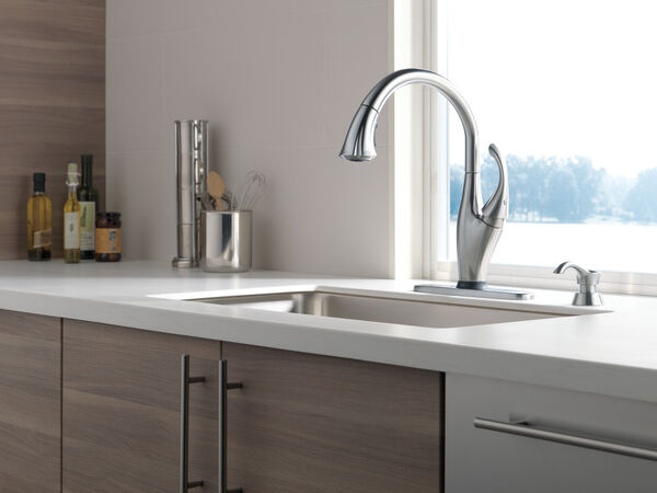 Single Handle Pull-Down Kitchen Faucet with Touch<sub>2</sub>O® Technology and Soap Dispenser, image 3