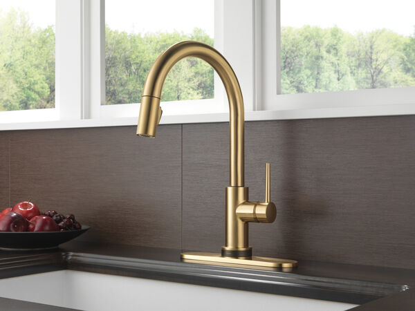 Single Handle Pull-Down Kitchen Faucet with Touch<sub>2</sub>O® Technology, image 9
