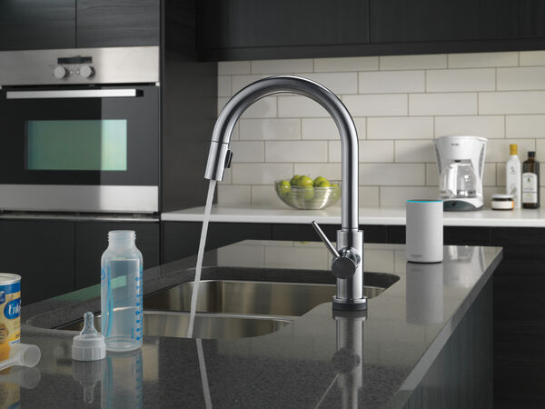 VoiceIQ™ Single-Handle Pull-Down Kitchen Faucet with Touch<sub>2</sub>O® Technology, image 23