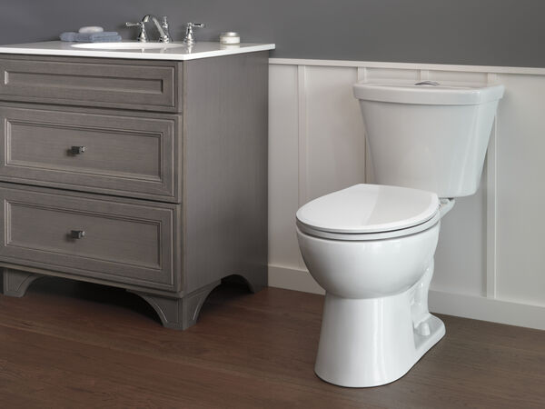 Round Front Dual-Flush Toilet, image 2