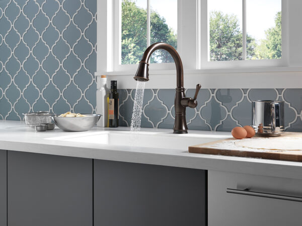 Single Handle Pull-Down Kitchen Faucet with Touch<sub>2</sub>O® and ShieldSpray® Technologies, image 30