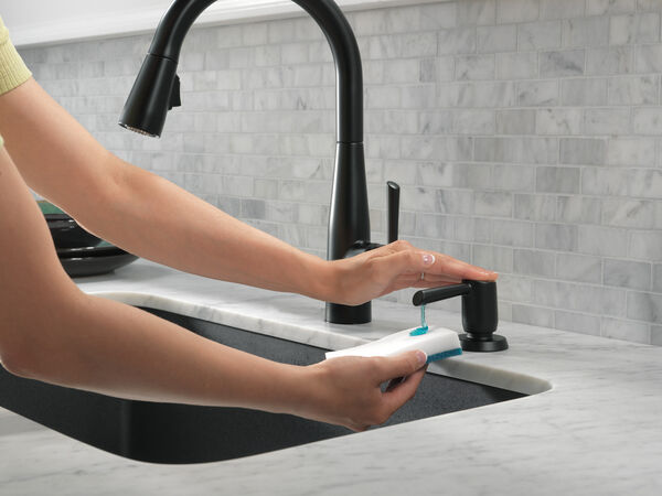 Single Handle Pull-Down Kitchen Faucet, image 18