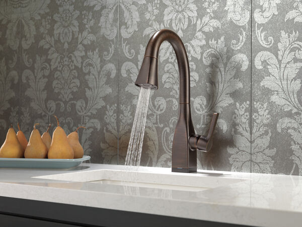 Single Handle Pull-Down Bar / Prep Faucet with Touch<sub>2</sub>O® Technology, image 2