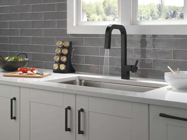 Single-Handle Pull-Down Kitchen Faucet, image 8