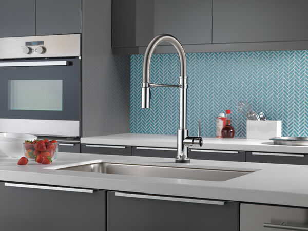 Single Handle Pull-Down Spring Spout Kitchen Faucet with Touch<sub>2</sub>O® Technology, image 13