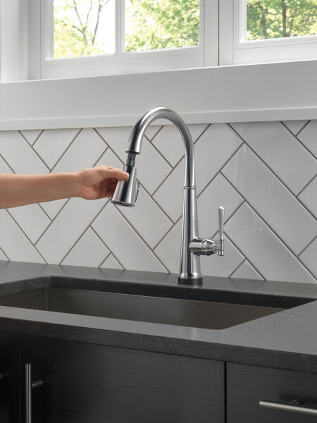Single Handle Pull Down Kitchen Faucet with Touch2O Technology, image 8