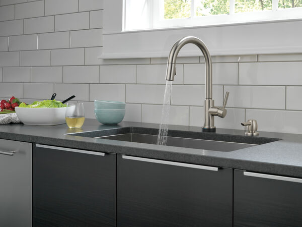 Single Handle Pull-Down Kitchen Faucet with Touch2O® Technology and Soap Dispenser, image 10