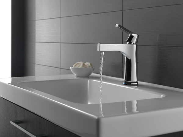 Single Handle Bathroom Faucet with Touch<sub>2</sub>O.xt® Technology, image 5