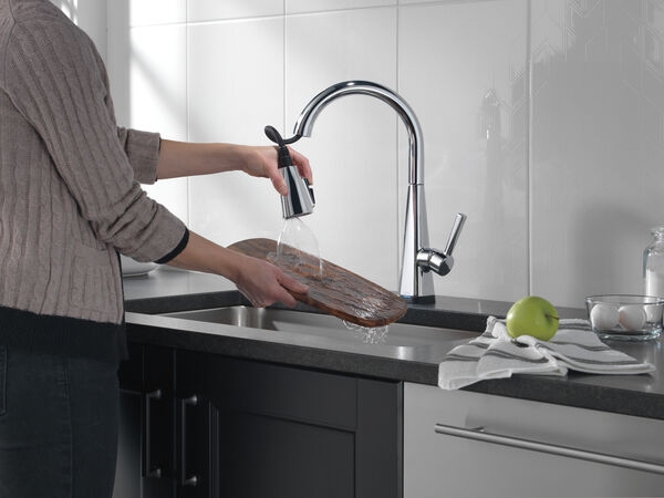 Single-Handle Pull-Down Kitchen Faucet with Touch2O® Technology, image 7