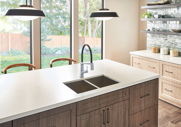 Single Handle Exposed Hose Kitchen Faucet, image 4