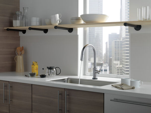 Single Handle Pull-Down Kitchen Faucet with Touch<sub>2</sub>O® Technology, image 30