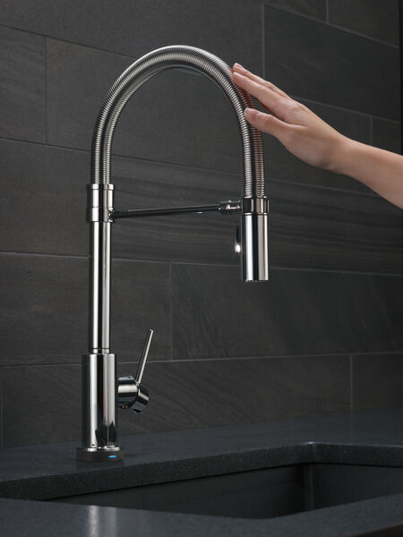Single Handle Pull-Down Spring Spout Kitchen Faucet with Touch<sub>2</sub>O® Technology, image 9
