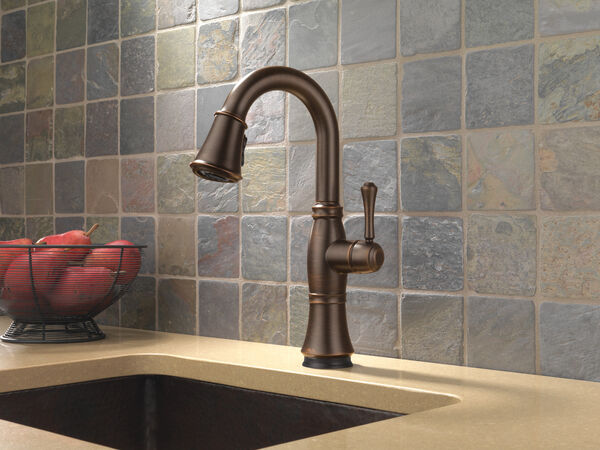 Single Handle Pull-Down Bar / Prep Faucet with Touch<sub>2</sub>O® Technology, image 6