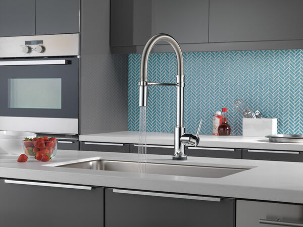Single Handle Pull-Down Spring Spout Kitchen Faucet with Touch<sub>2</sub>O® Technology, image 11