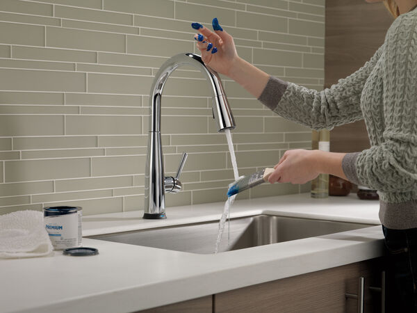 Single Handle Pull-Down Kitchen Faucet with Touch<sub>2</sub>O® Technology, image 6