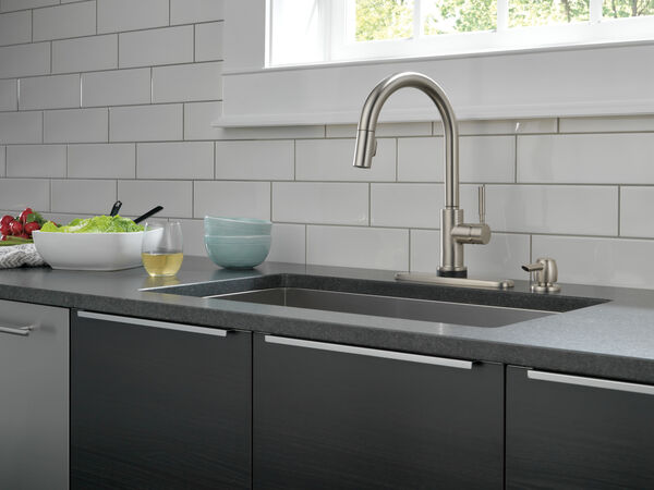 Single Handle Pull-Down Kitchen Faucet with Touch2O® Technology and Soap Dispenser, image 3