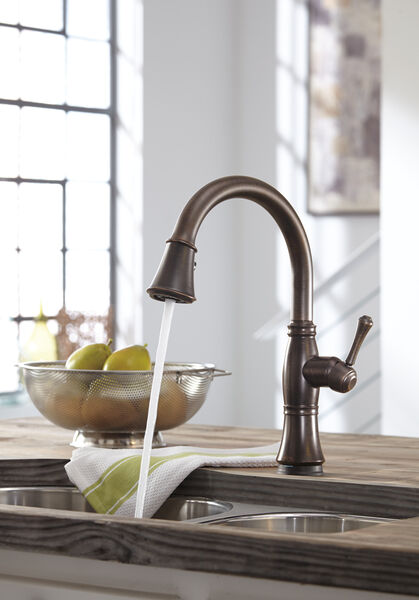 Single Handle Pull-Down Kitchen Faucet with Touch<sub>2</sub>O® and ShieldSpray® Technologies, image 35