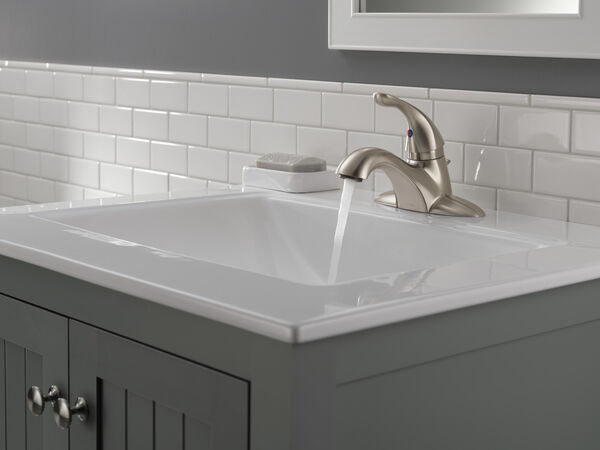 Single Handle Centerset Bathroom Faucet, image 2