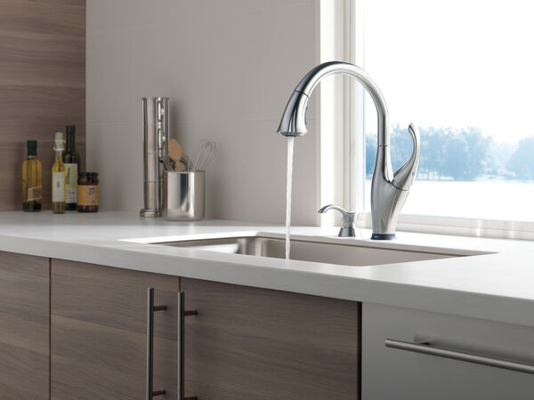 Single Handle Pull-Down Kitchen Faucet with Touch<sub>2</sub>O® Technology and Soap Dispenser, image 11