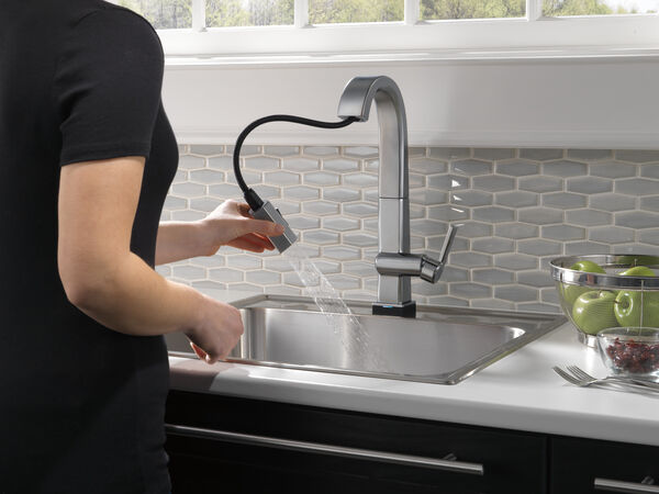 Single Handle Pull Down Bar/Prep Faucet With Touch2O Technology, image 4