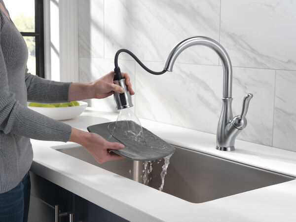 Single Handle Pull-Down Kitchen Faucet with ShieldSpray® Technology, image 20