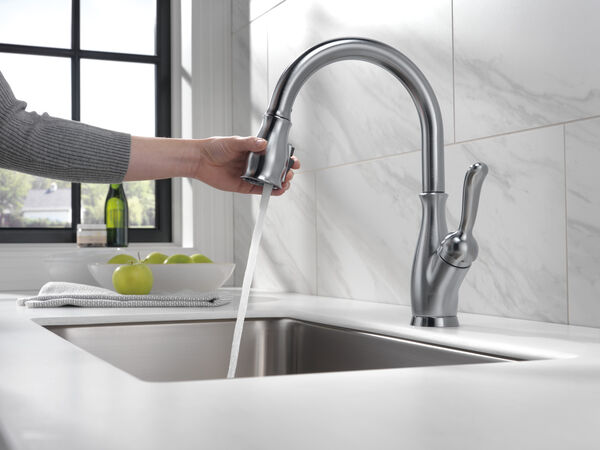 Single Handle Pull-Down Kitchen Faucet with ShieldSpray® Technology, image 24