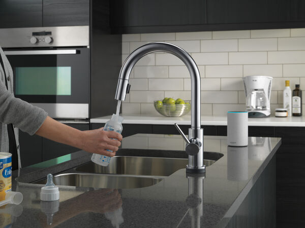VoiceIQ™ Single-Handle Pull-Down Kitchen Faucet with Touch<sub>2</sub>O® Technology, image 17