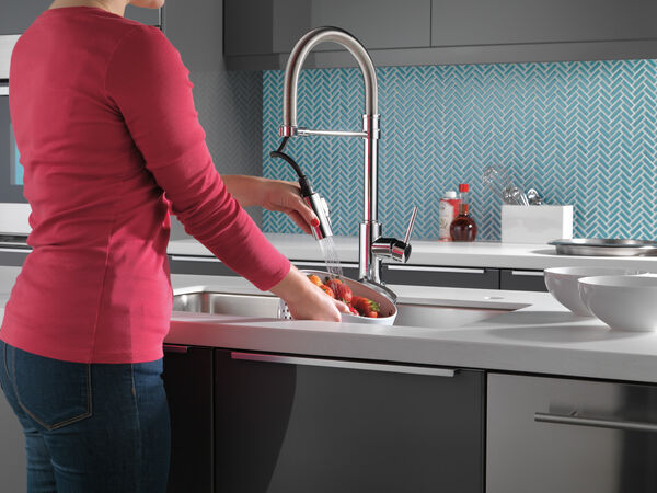 Single Handle Pull-Down Spring Spout Kitchen Faucet with Touch<sub>2</sub>O® Technology, image 5