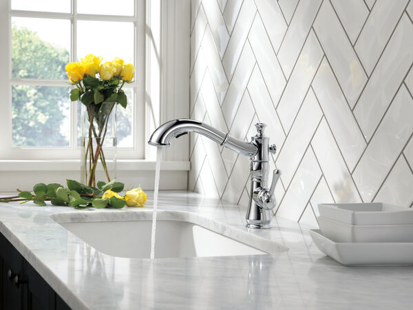Single Handle Pull-Out Kitchen Faucet, image 4