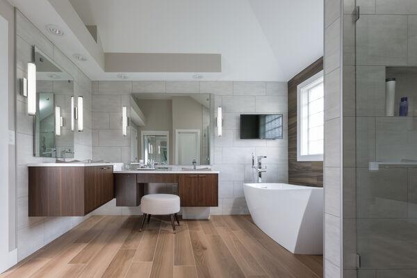 Single Handle Floor Mount Channel Spout Tub Filler Trim with Hand Shower, image 3
