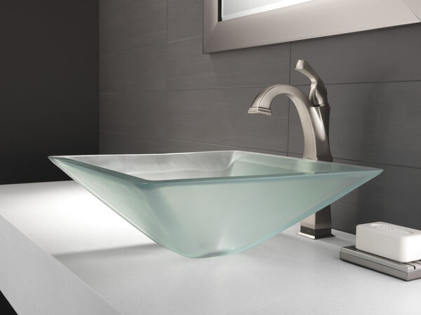 Single Handle Vessel Bathroom Faucet with Touch<sub>2</sub>O.xt® Technology, image 3