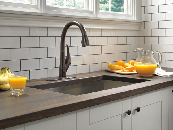 Single Handle Pull-Down Kitchen Faucet with ShieldSpray® Technology, image 9