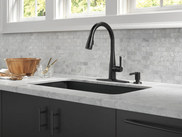 Single Handle Pull-Down Kitchen Faucet, image 15