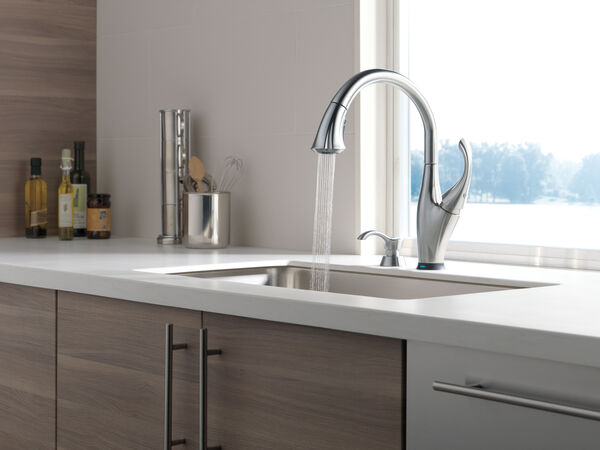 Single Handle Pull-Down Kitchen Faucet with Touch<sub>2</sub>O® Technology and Soap Dispenser, image 10