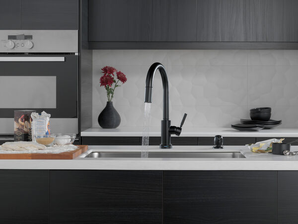 Single Handle Pull-Down Kitchen Faucet with Touch2O Technology and Soap Dispenser, image 9