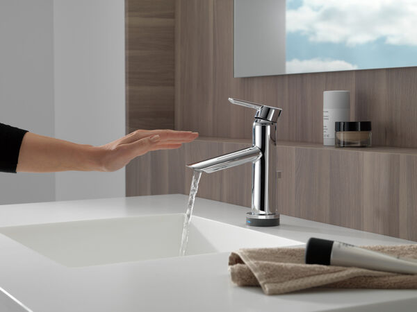 Single Handle Bathroom Faucet with Touch<sub>2</sub>O.xt® Technology, image 9