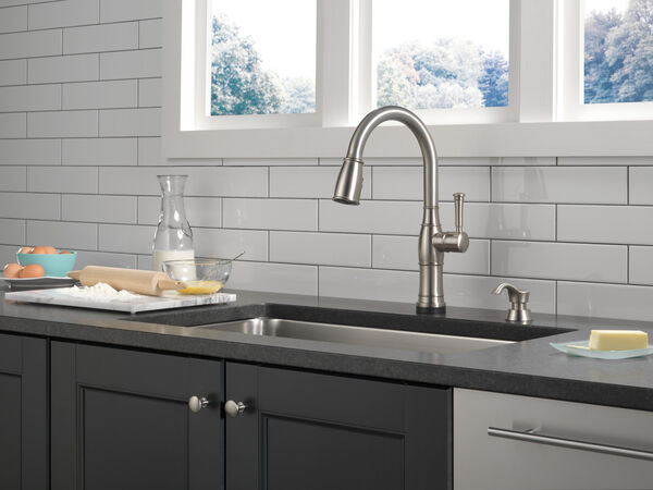 Single Handle Pull-Down Kitchen Faucet with Touch2O Technology and Soap Dispenser, image 13
