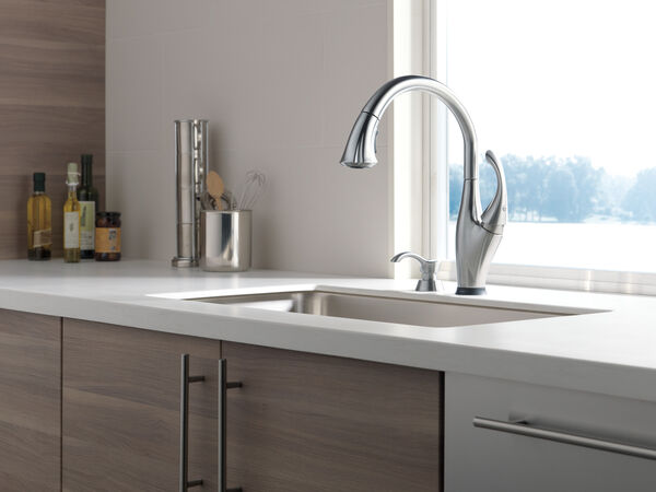 Single Handle Pull-Down Kitchen Faucet with Touch<sub>2</sub>O® Technology and Soap Dispenser, image 2