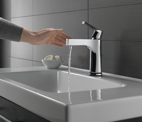 Single Handle Bathroom Faucet with Touch<sub>2</sub>O.xt® Technology, image 3