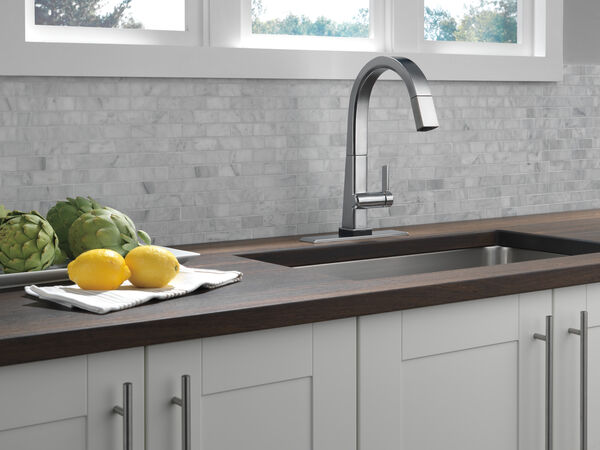 Single Handle Pull Down Kitchen Faucet with Touch2O® Technology, image 8