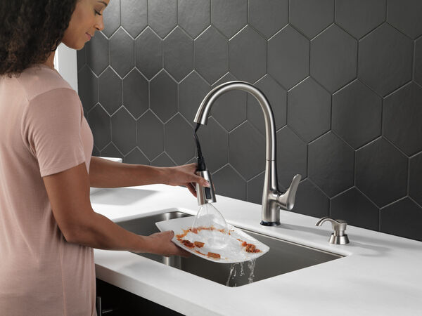 Dunsley Single Handle Pull Down Kitchen Faucet with Touch 2O and VoiceIQ Technology, image 5
