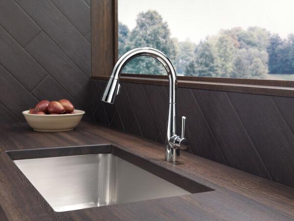 Single Handle Pull Down Kitchen Faucet 9113 Dst Delta Faucet