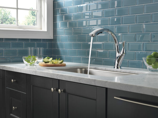 Single Handle Water Efficient Pull-Out Kitchen Faucet, image 8