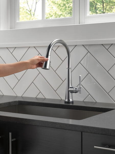 Single Handle Pull Down Kitchen Faucet with Touch2O Technology, image 10