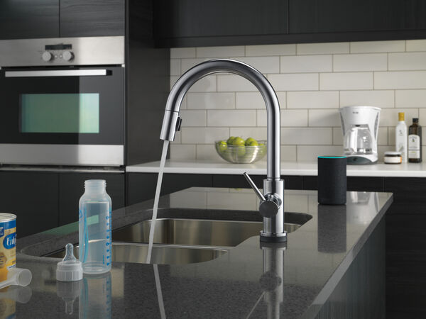 VoiceIQ™ Single-Handle Pull-Down Kitchen Faucet with Touch<sub>2</sub>O® Technology, image 7