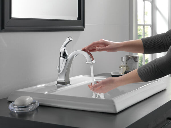 Single Handle Bathroom Faucet with Touch<sub>2</sub>O.xt® Technology, image 4