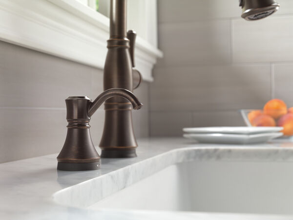 Single Handle Pull-Down Kitchen Faucet with Touch<sub>2</sub>O® and ShieldSpray® Technologies, image 19