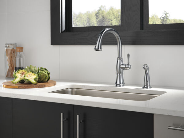 Single Handle Kitchen Faucet with Spray, image 3